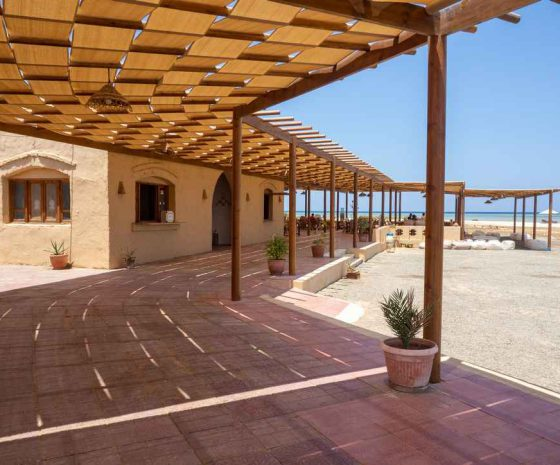 Wadi-Lahami-restaurant-et-centre-de-plongée.jpg