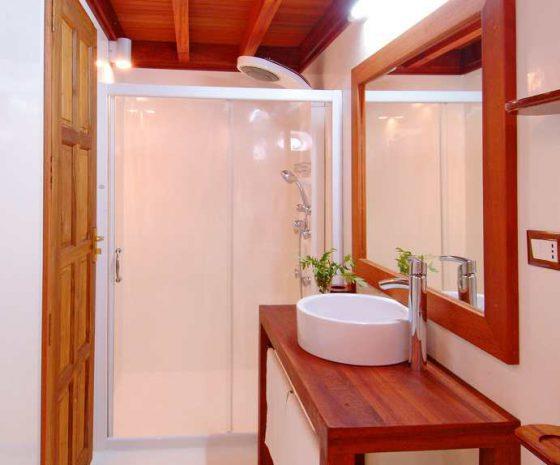 Croisière plongée Maldives Haleema salle de bain