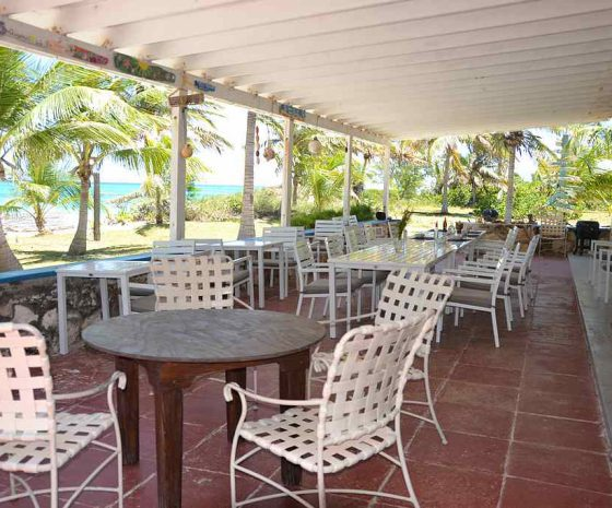 Restaurant Greenwood Beach resort Cat island - Copyright The Islands Of The Bahamas - Ministry of Tourism